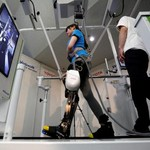 Robot Toyota Akan Bantu Lansia Lumpuh untuk Berjalan Kembali