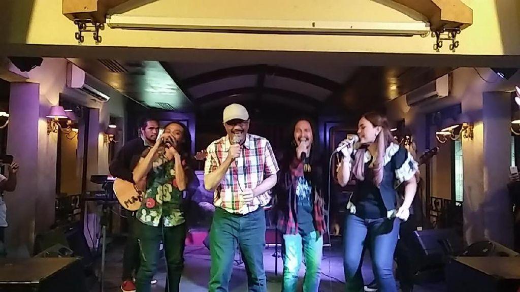 Aksi Wagub Djarot Bernyanyi Bersama Musisi Reggae