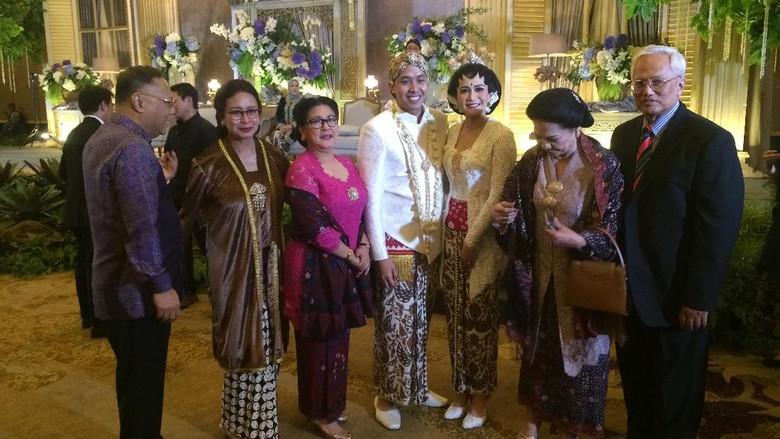 Tak Ada Raffi di Pernikahan Adik Nagita Bikin Netizen Penasaran