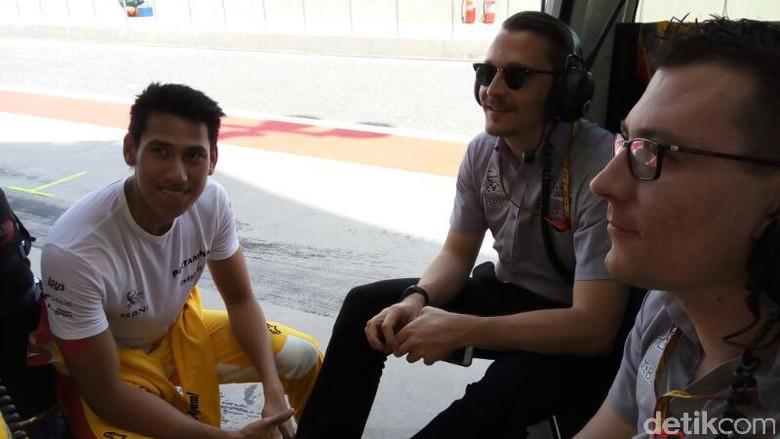 Sean dan Tim Arden Bersiap untuk Sprint Race yang Panjang