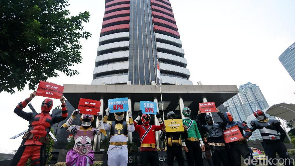 Superhero Dukung KPK Lawan Teror Novel