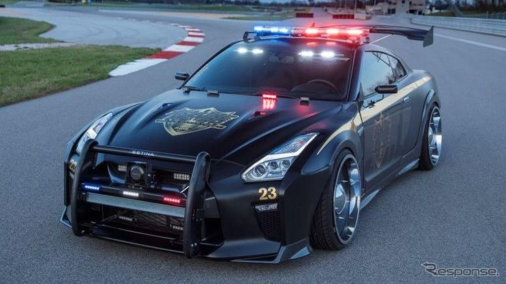 Mobil Polisi Nissan GT-R