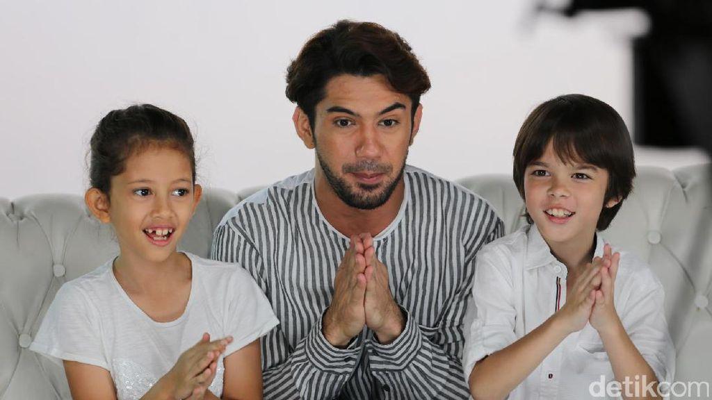 Potret Kedekatan Reza Rahadian dengan Keponakan