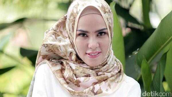 Angel Lelga Kini Lebih Pilih Arisan Syariah
