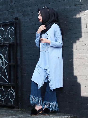 Foto: 4 Model Celana Jeans yang Tren Dipakai Selebgram Hijab