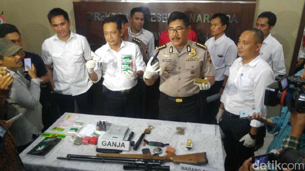 Polda Jawa Tengah Tangkap Penjual Ekstrak Ganja Via Facebook