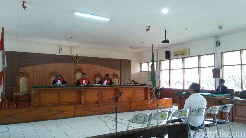Peras Tahanan, Eks Kanitreskrim Bandung Kidul Dituntut 6 Tahun Bui