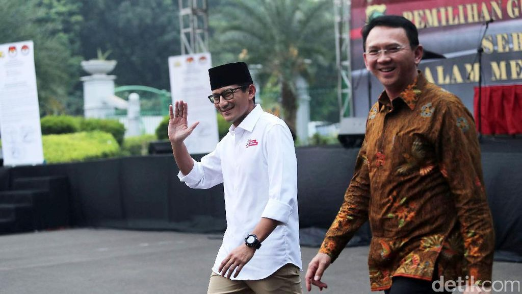 Didoakan Sandiaga Jadi Menteri, Ahok Hanya Tersenyum