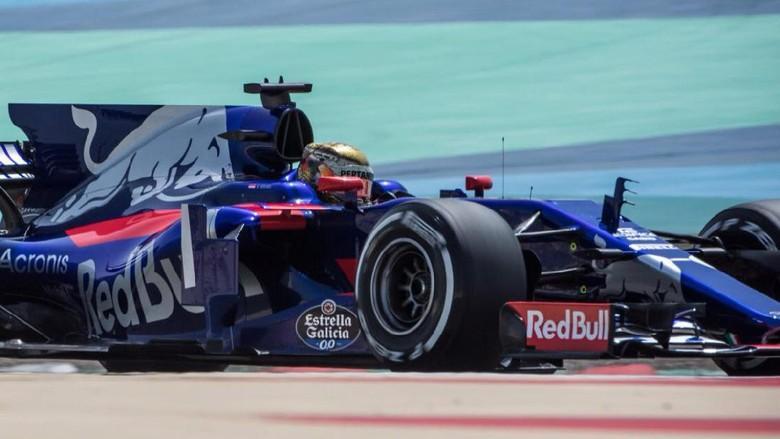 Sean Gelael Lahap 78 Lap di Tes Pertama F1