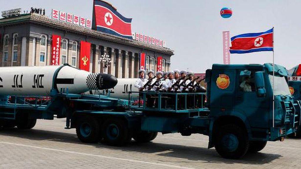 Rudal Korea Utara Cuma Pura-pura?