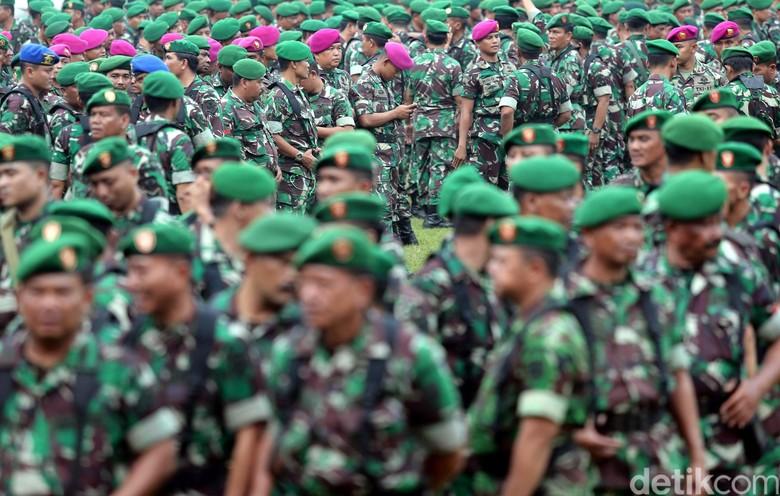 Saat Allan Nairn Tantang TNI soal Tulisan Makar