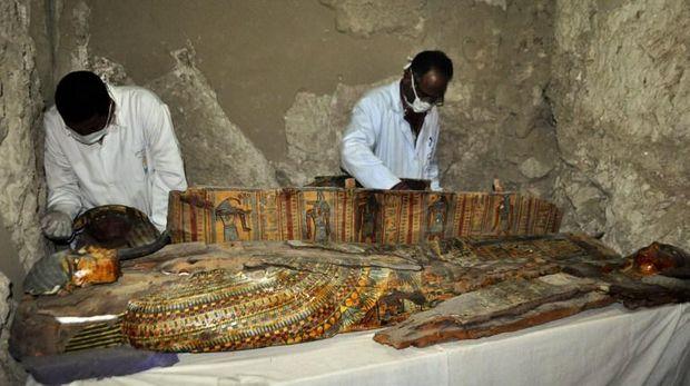 Ditemukan 8 Mumi di Kuburan Kuno Mesir Berumur 3.500 Tahun