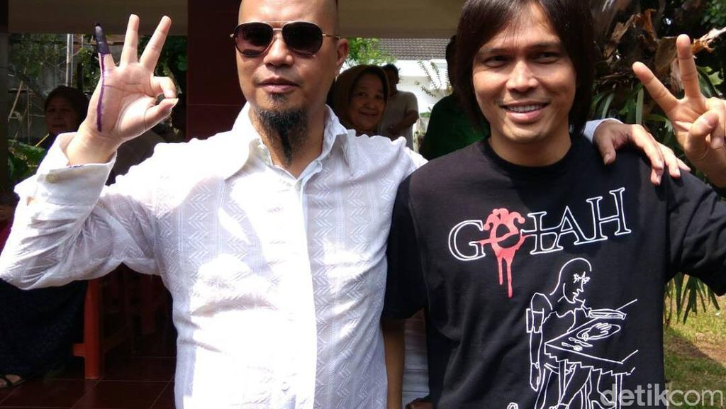 Dhani dan Once, Sahabat Lama yang Beda Pilihan di Pilgub DKI