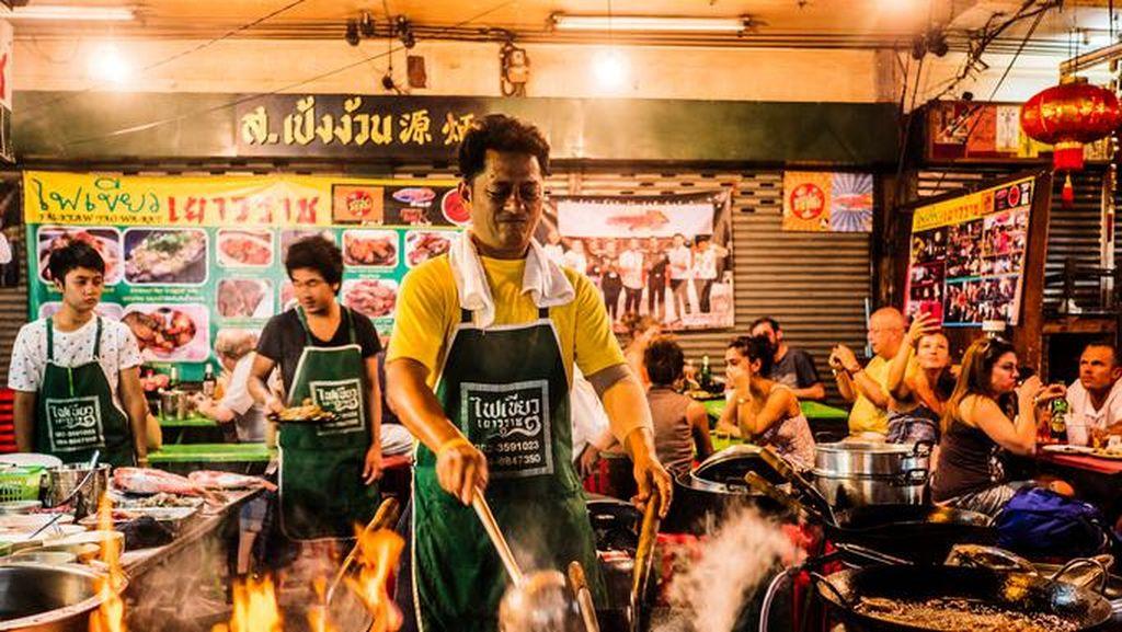 Pemerintah Bangkok Akan Larang Keberadaan Pedagang Kaki Lima