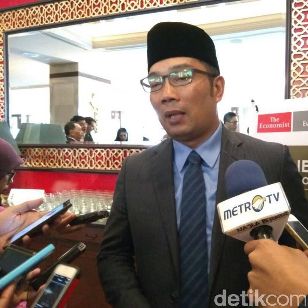 Ridwan Kamil Sesalkan Lelang 38 Proyek di Bandung Terlambat