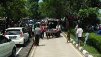 Tabrakan Mobil di Buaran, Korban Luka Dibawa ke RS