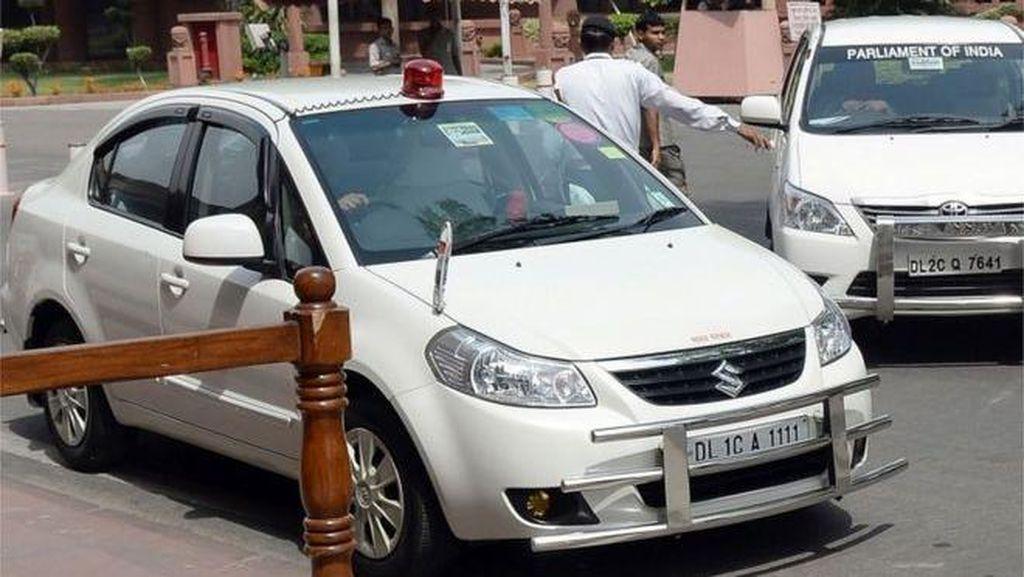 Mulai Mei, Mobil Pejabat India Dilarang Pakai Lampu Sirine