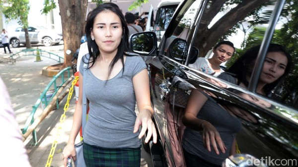 Kata Orang Sekitar Rumah Ayu Ting Ting Soal Isu Skandal Raffi Ahmad
