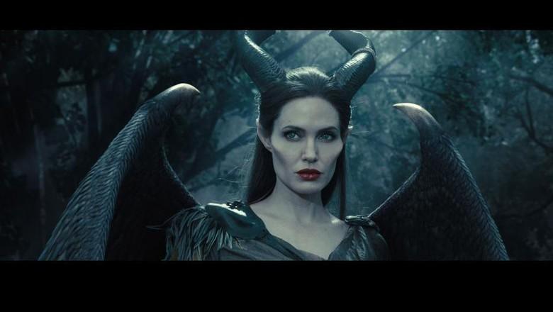 Riasan Angelina Jolie dalam Maleficent Salah Satu Makeup Effect Tersulit