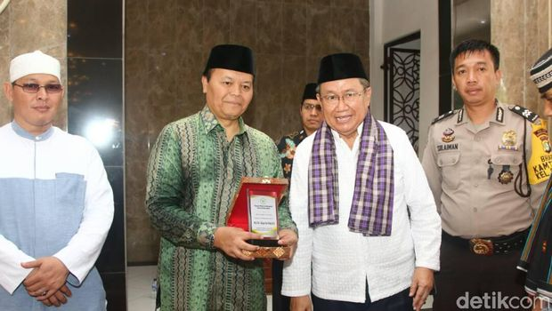 Hidayat Nur Wahid Sesalkan Berita-berita Media Barat Soal Pilkada DKI