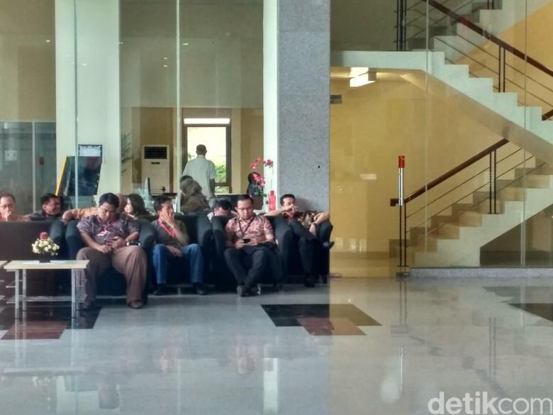 KPK Panggil Kakak Andi Narogong soal Kasus Korupsi e-KTP