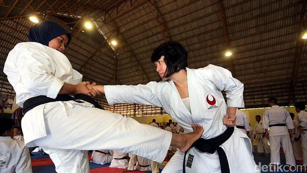 180 Karateka Digembleng di Amura Master Camp
