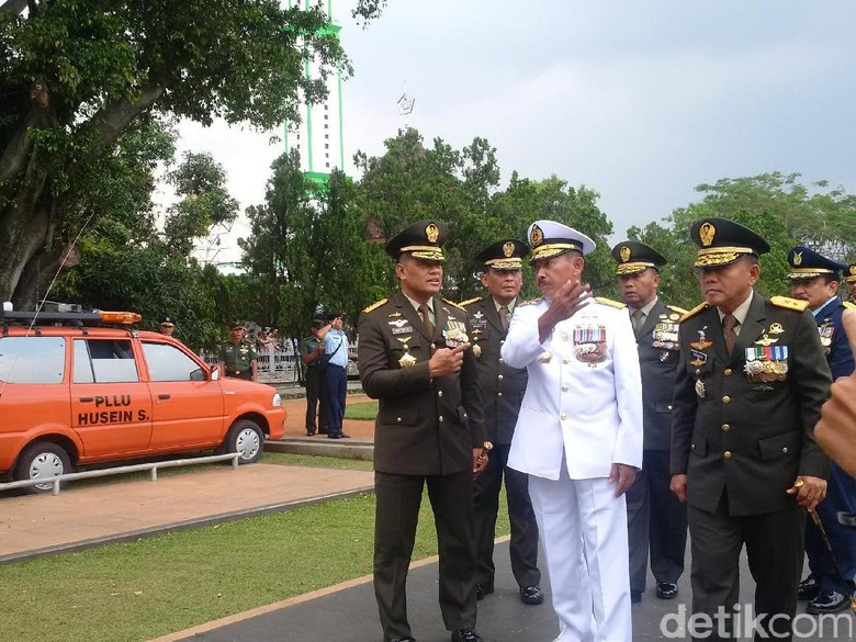 Panglima TNI Hadiri Pemakaman Wadan Sesko TNI di Bandung