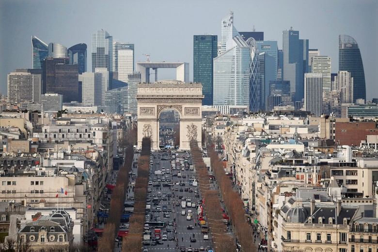 Teror di Paris, Penyerang di Champs Elysees Bawa Bahan Peledak
