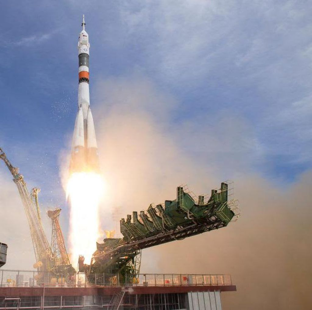 Tegang di Bumi, AS dan Rusia Rukun di Luar Angkasa