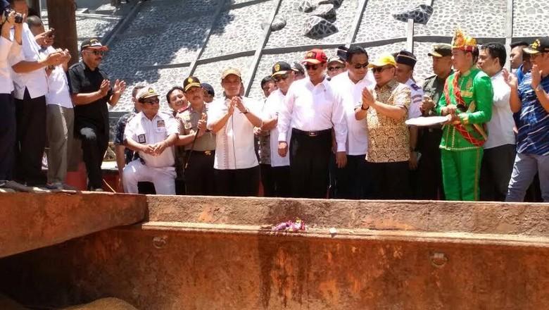 Mentan Lepas Pengiriman 10 Ribu Ton Jagung dari Gorontalo ke Jawa