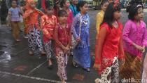 Rayakan Hari Kartini, Siswa SD di Yogyakarta Kirab Gunungan