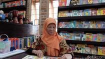 Di Usia Senja, Rita Koesma Masih Semangat Mengajar di Kolong Jembatan