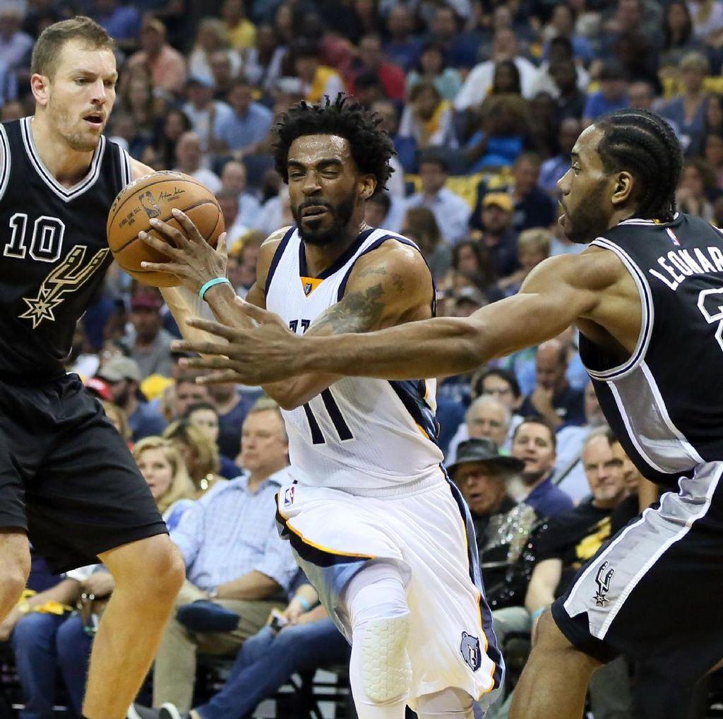 Grizzlies Kalahkan Spurs, Perkecil Ketinggalan Jadi 1-2