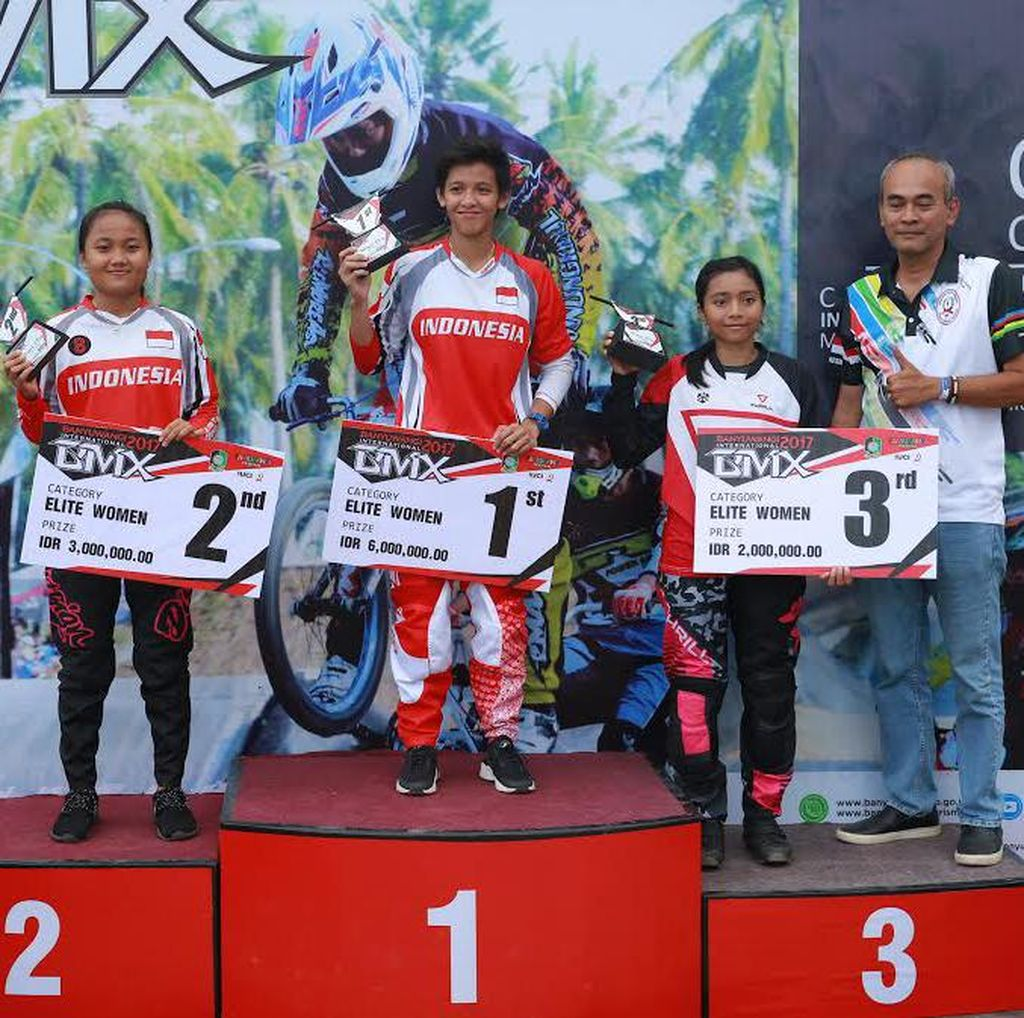 Biker Indonesia Juarai Elite Woman Round 1 Internasional BMX Banyuwangi