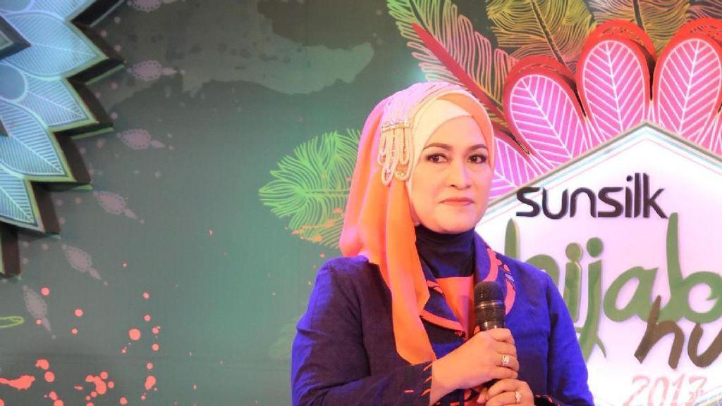 Gaya Hijab Istri Deddy Mizwar yang Menarik Atensi di Sunsilk Hijab Hunt