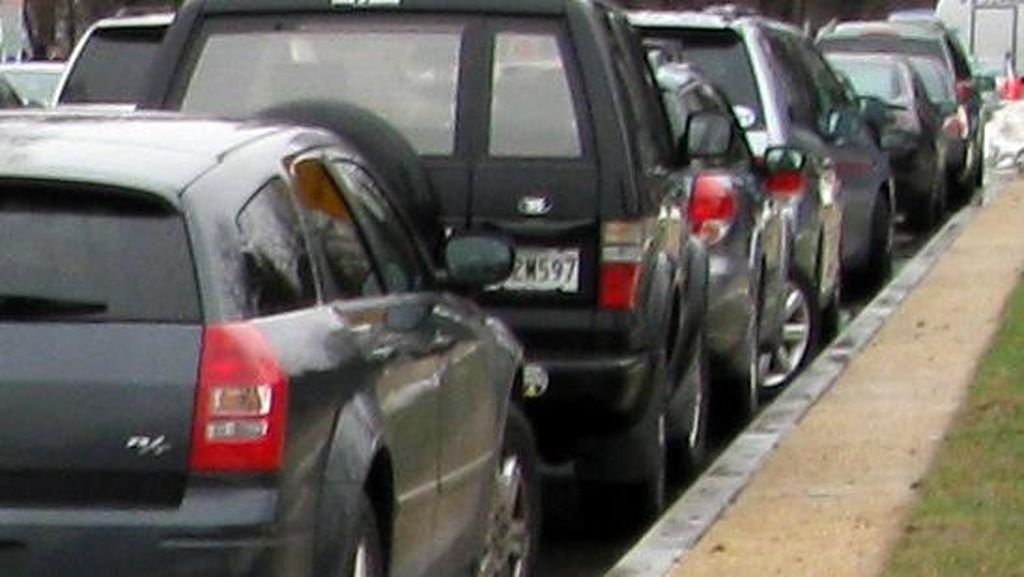 Sepertiga Warga Inggris Takut untuk Parkir Paralel