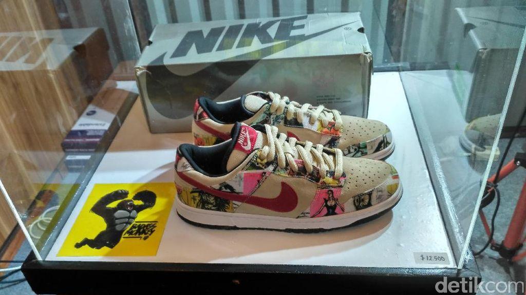 Sneakers Dijual Seharga Rp 168 Jutaan. Apa Istimewanya?