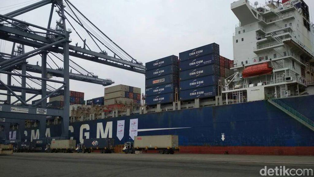 Kapal Raksasa Bersandar di Priok, Menhub: Ini Prestasi