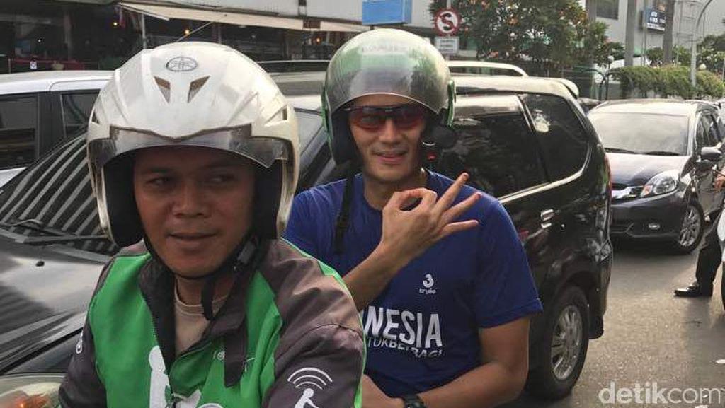 Sandiaga Naik Ojek Online untuk Hadiri Komando Run 2