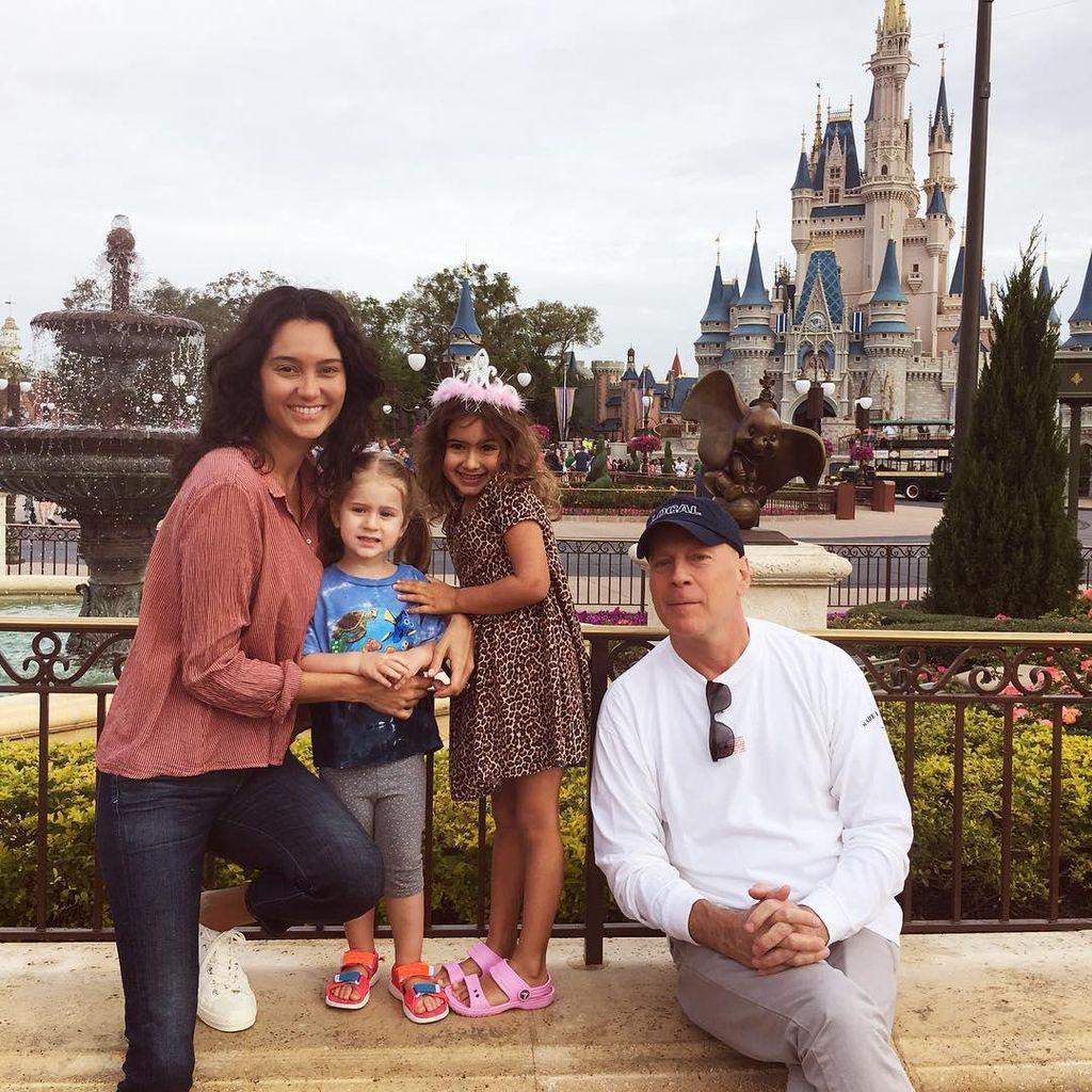 Rahasia Pernikahan Harmonis Bruce Willis dan Istri yang Beda Usia 24 Tahun