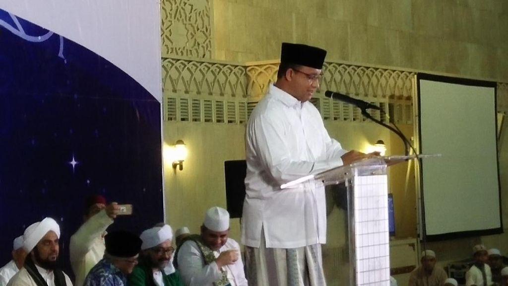 Anies Hadiri Peringatan Isra Miraj di Masjid Istiqlal