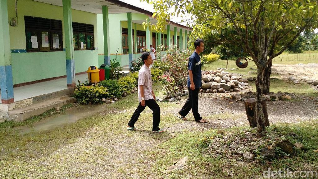 Guru Tapal Batas di Zona Toleran: Kami Takut Lihat Berita Pilgub DKI