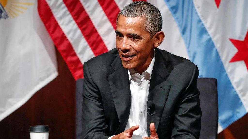 Muncul Usai Liburan, Obama: Apa yang Terjadi Sejak Saya Pergi?