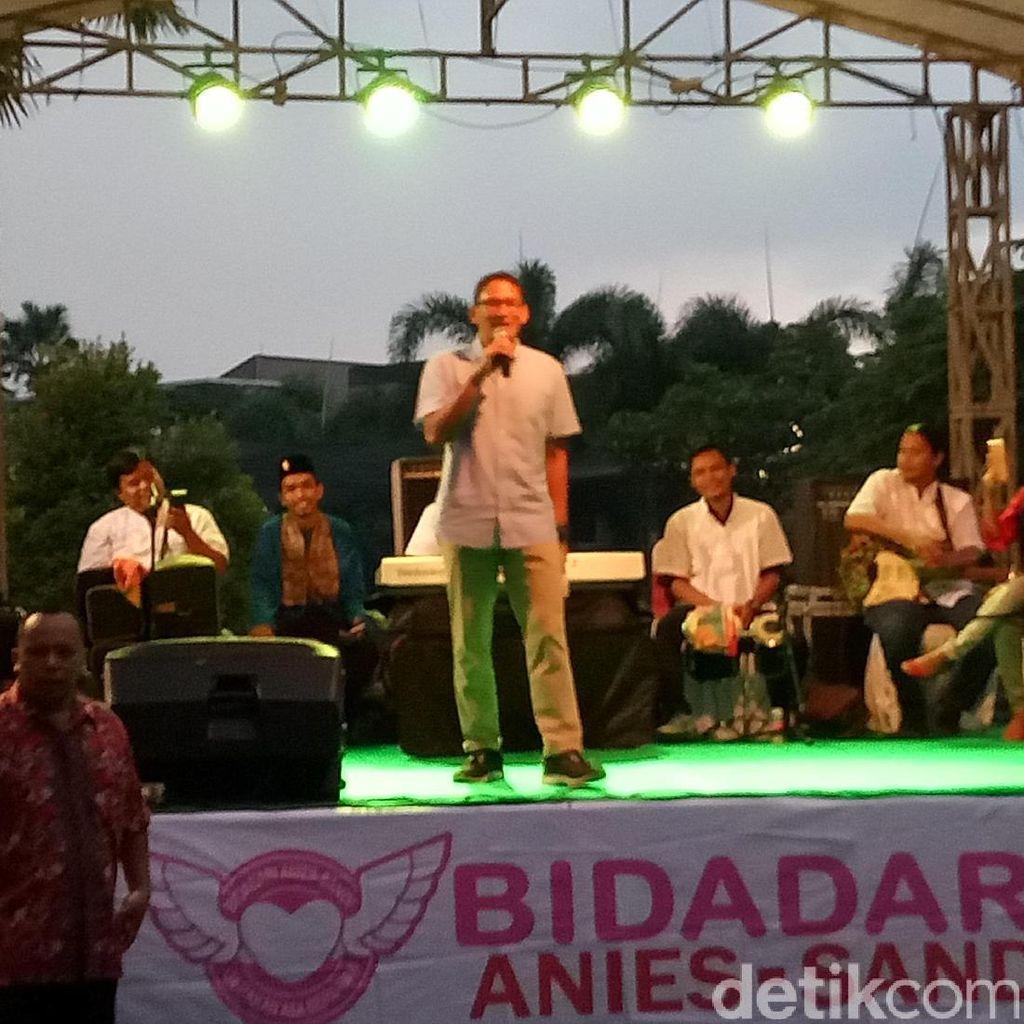Sandiaga Ajak Relawannya Dukung Pemerintahan Ahok hingga Oktober