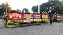 Ahok akan Bacakan Pledoi, Balai Kota Penuh dengan Karangan Bunga