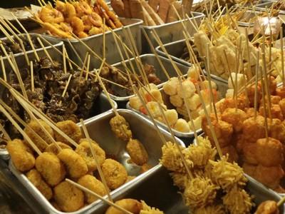 Potret Kafe Angkringan Paling Ngehits di Solo