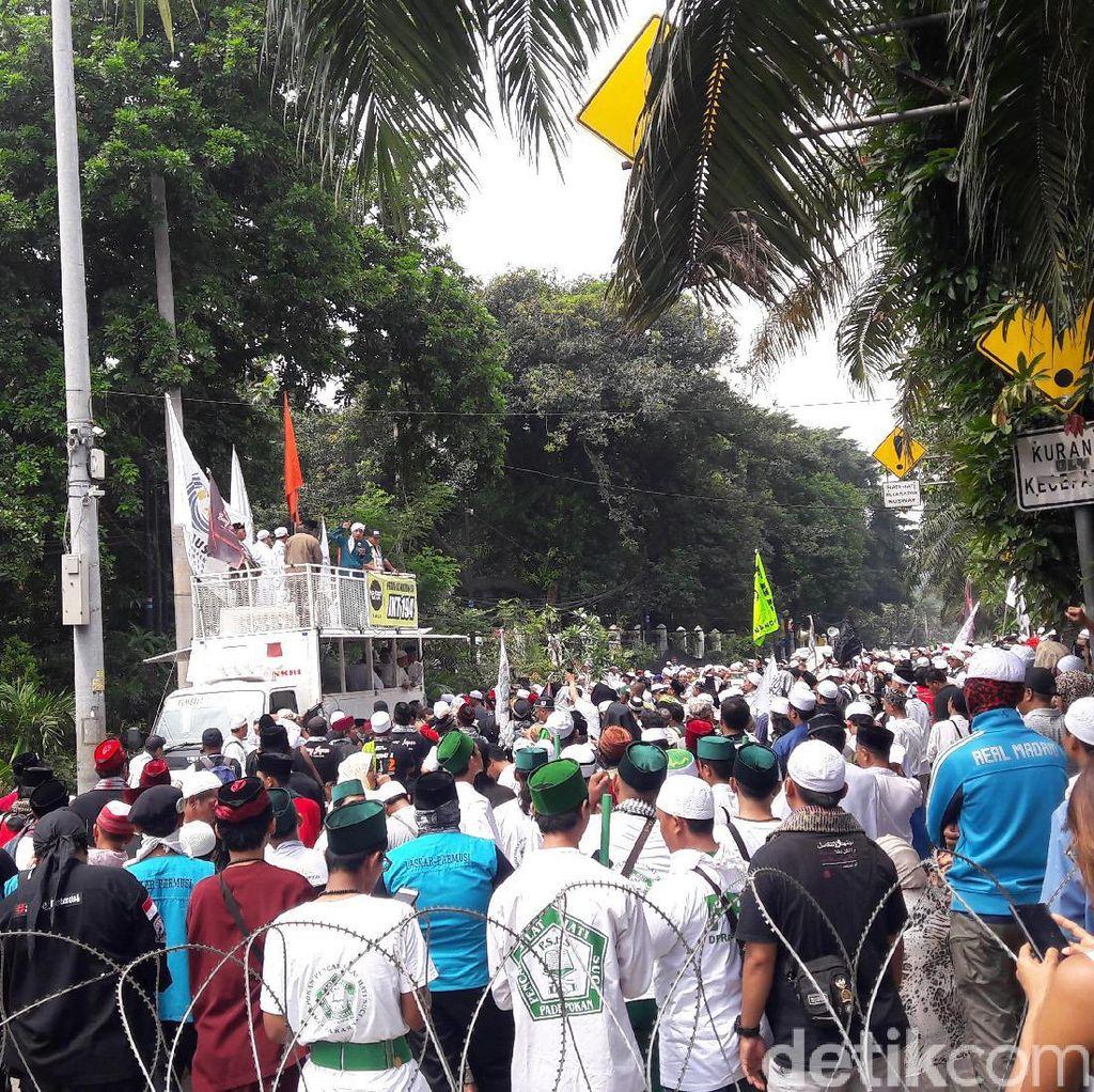 Orator Demo Ahok: Habib Rizieq Tak ke Polda, Kita Langsung Pulang