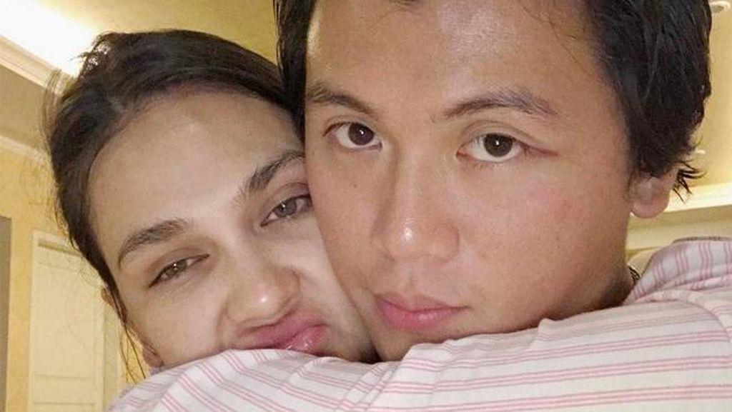 So Romantic! Momen Indah Luna Maya dan Reino Barack