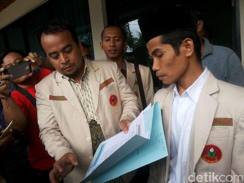 Dinilai Tak Independen, Jaksa Kasus Ahok Diadukan ke Komjak