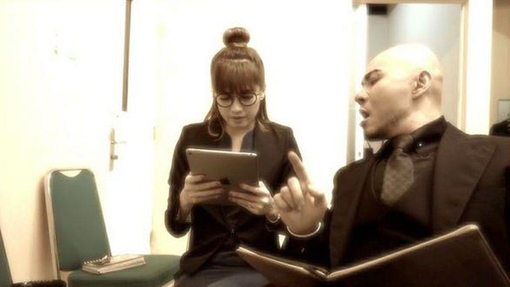 Lewat Video Survei Harga Otak Rp 1 M, Deddy Corbuzier Sindir Ayu Ting Ting?